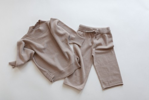 SNOW DAY KNIT PULLOVER AND PANTS - Hazelnut